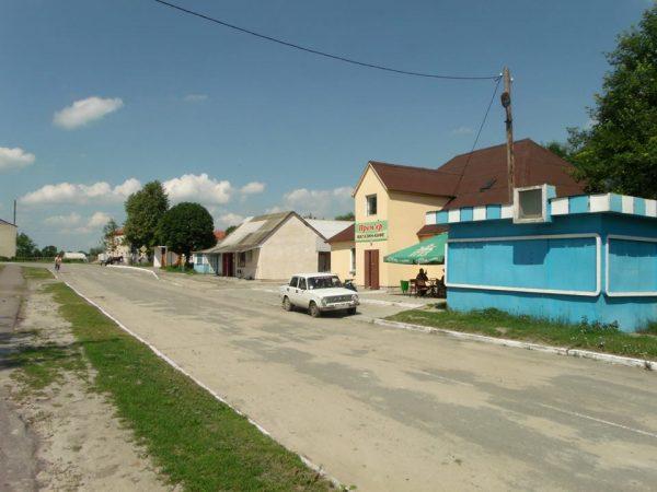 Магазини в центрі села